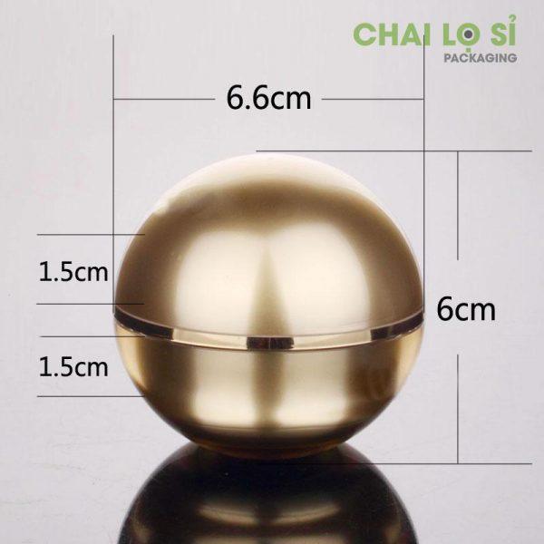 hu-cream-face-gold-tron-1