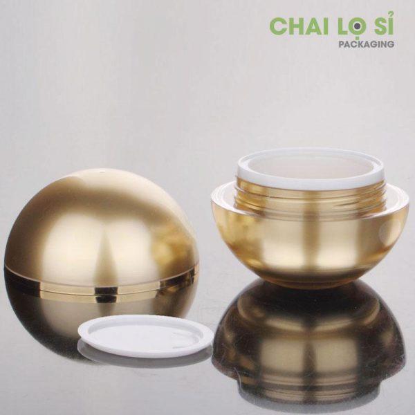 hu-cream-face-gold-tron-2