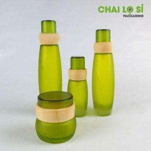 bộ mỹ phẩm thủy tinh xanh lá vân gỗ