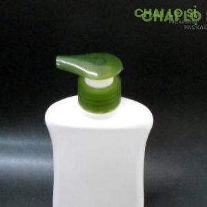 Chai dầu gội/sữa tắm trắng đục nắp xanh chất lượng