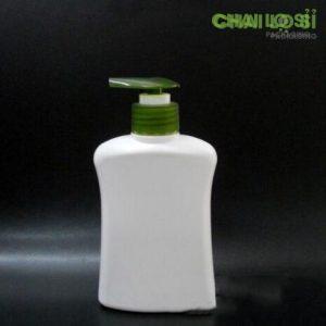 Chai dầu gội/sữa tắm trắng đục nắp xanh