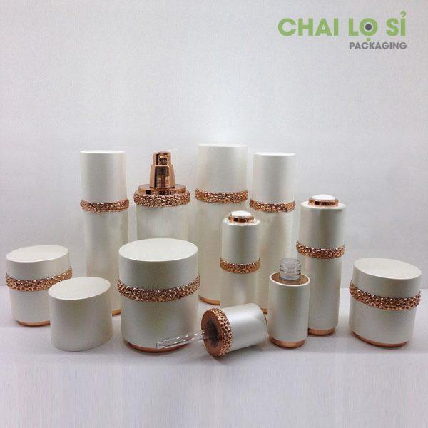 bo-chua-my-pham-vien-kim-loai