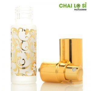 Chai nước hoa màu vàng chất lượng