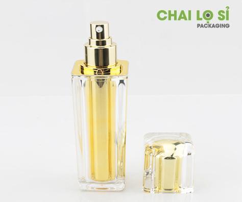 chai-xit-phun-suong-day-vuong-vang-kim-boc-acrylic-trong-suot
