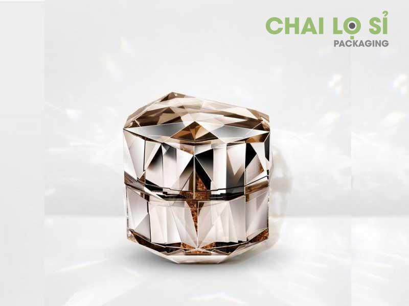 Bộ mỹ phẩm cam nhạt cách điệu kim cương